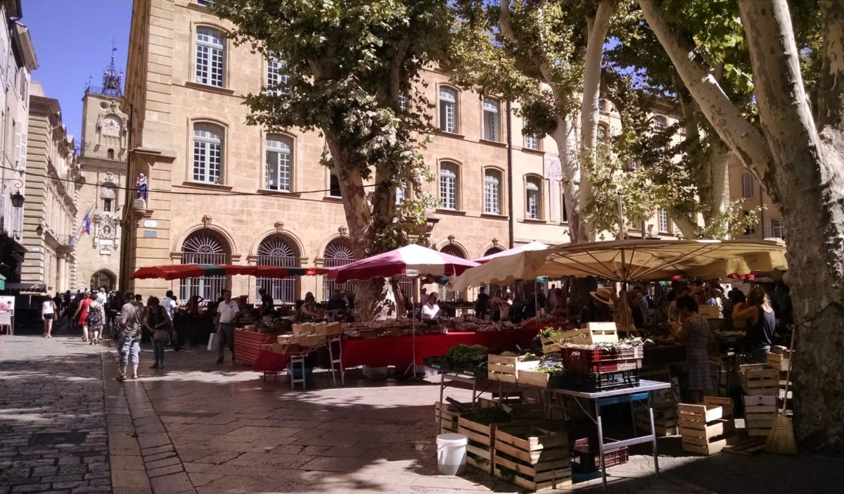 aix market on the place of the town hall