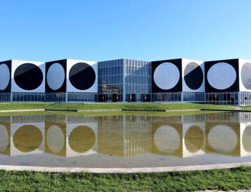 A la découverte des 44 œuvres monumentales de Victor Vasarely