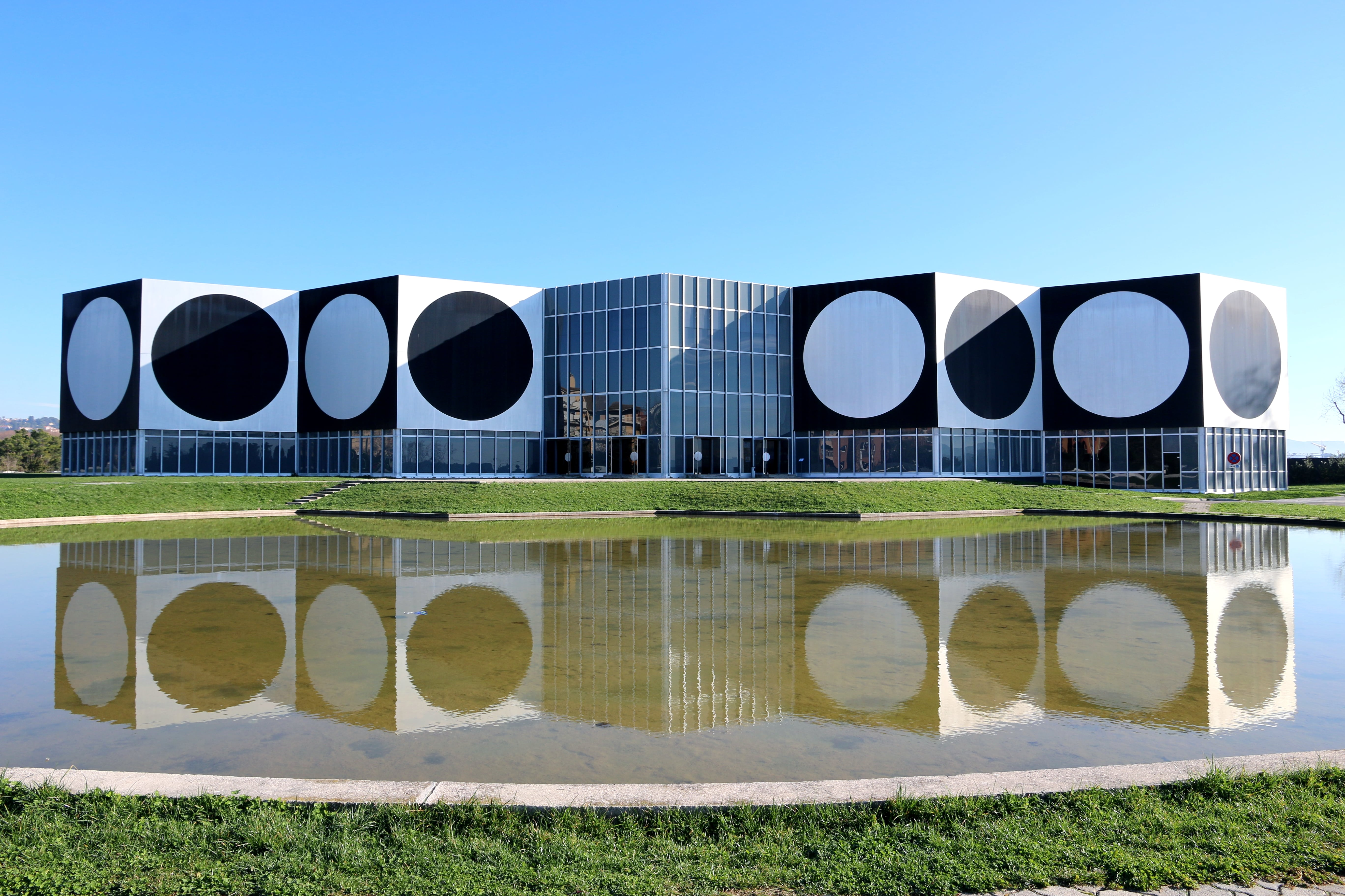 The building of the Vasarely Fondation