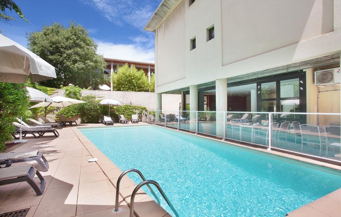 Résidence hôtelière quatre étoiles avec piscine