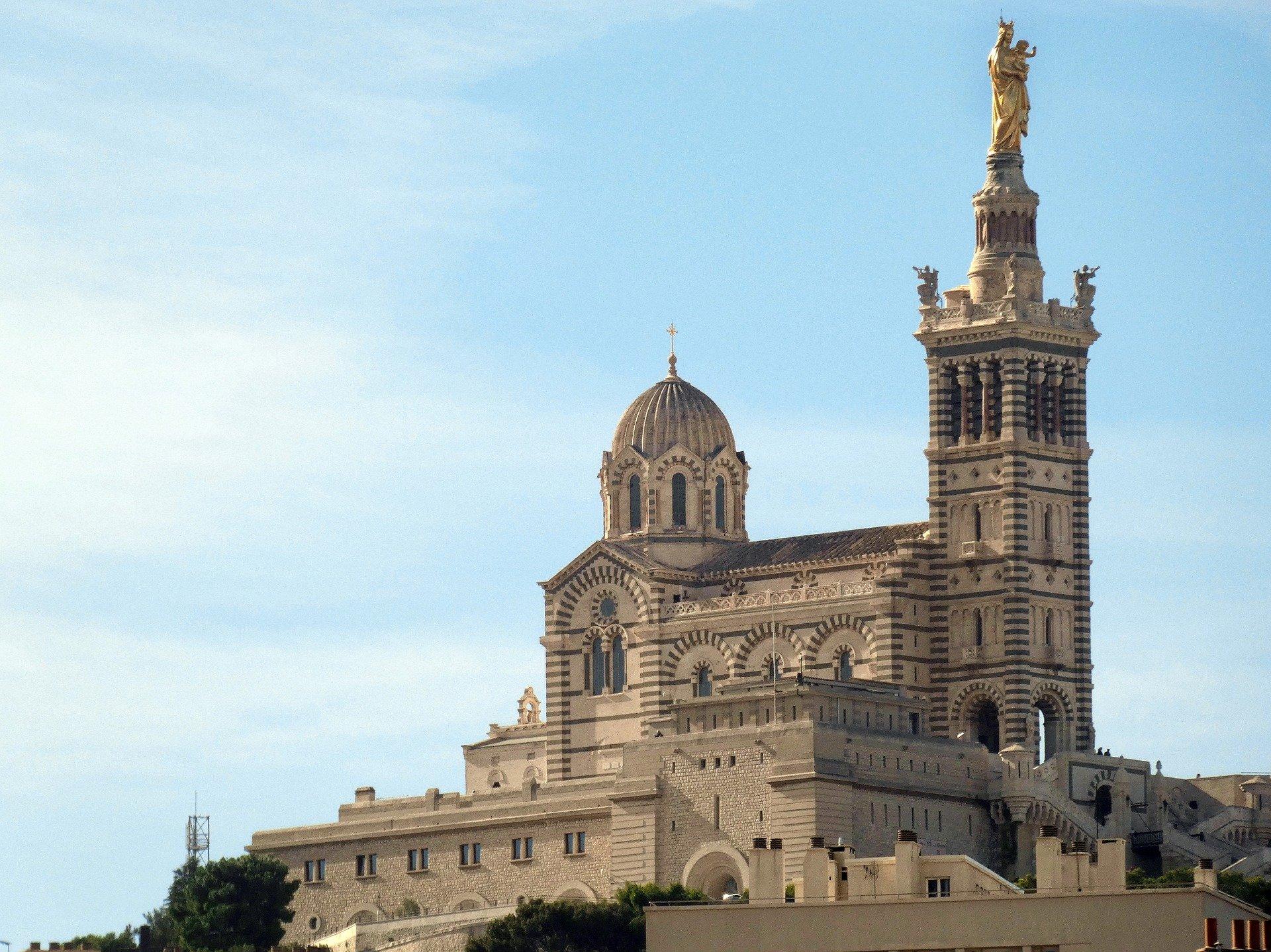 La Basilique Notre-Dame, appelée Bonne-Mère
